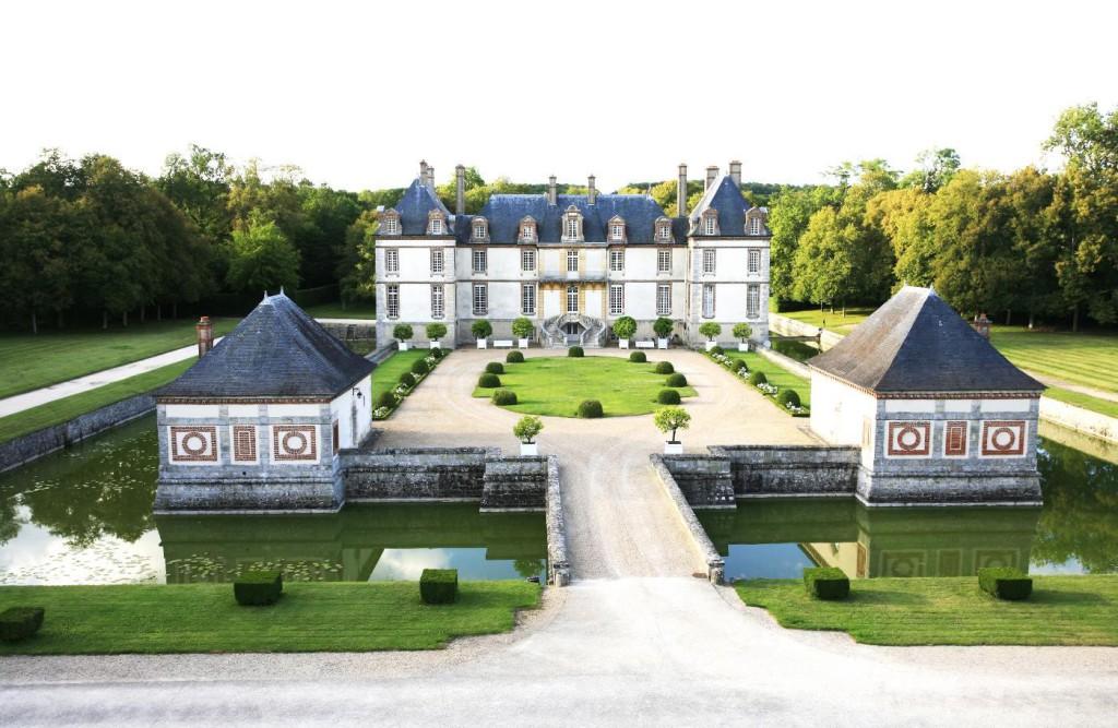 Vue d'ensemble du château de Courances