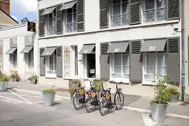 Parcourir la ville à vélo de puis l'hôtel