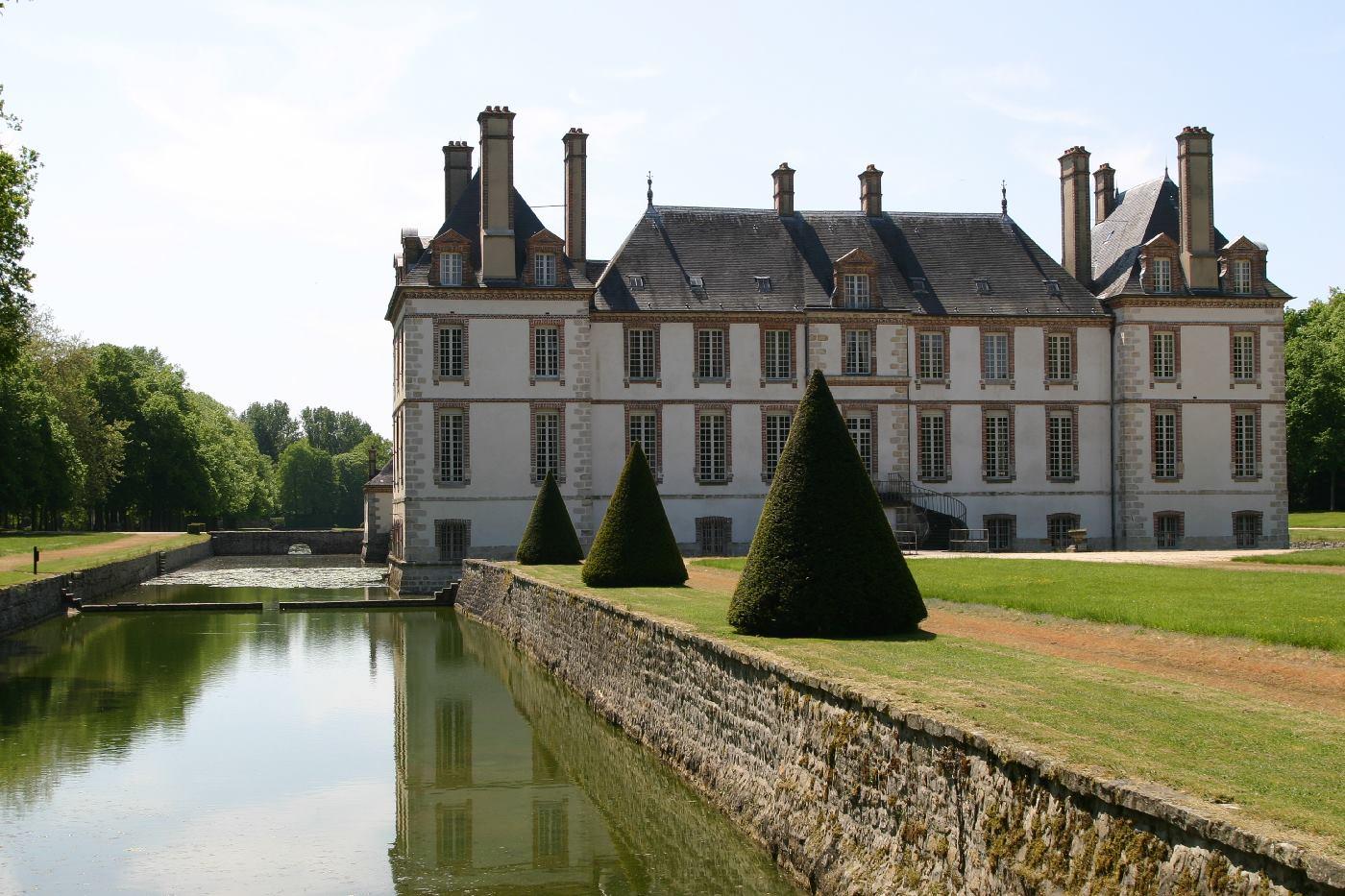 Douves du château de Bourron-Marlotte