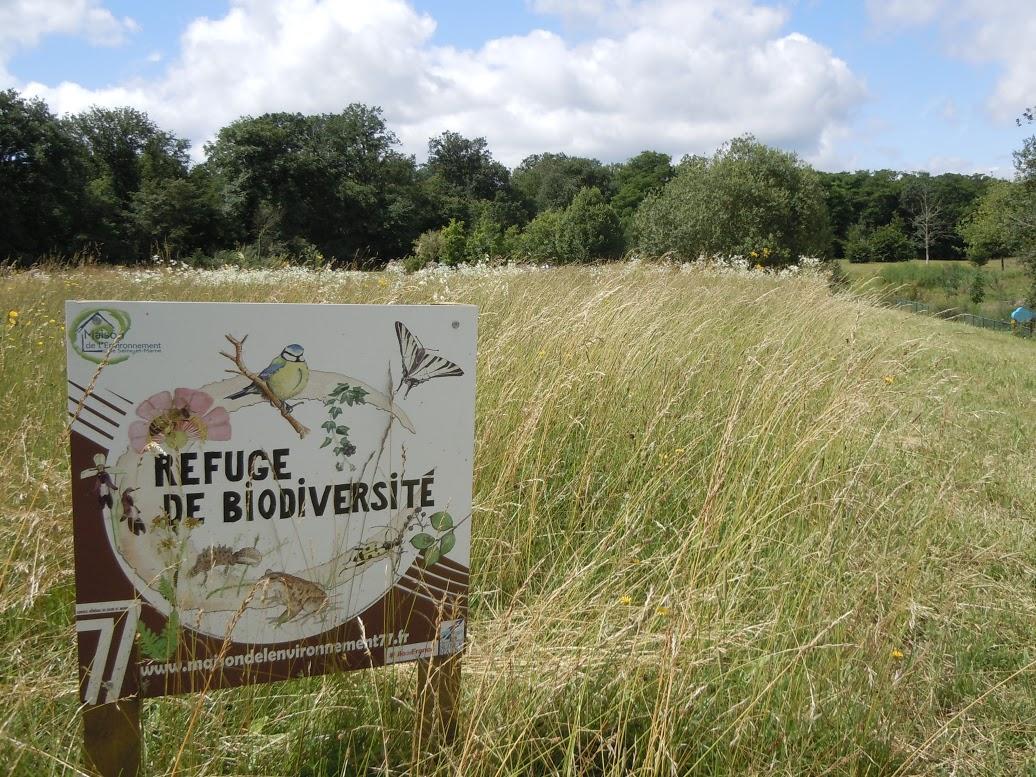 Pancarte du refuge de biodiversité